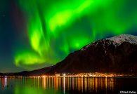 juneau-alaska_northern_lights_mark_kelley_calendar_2017